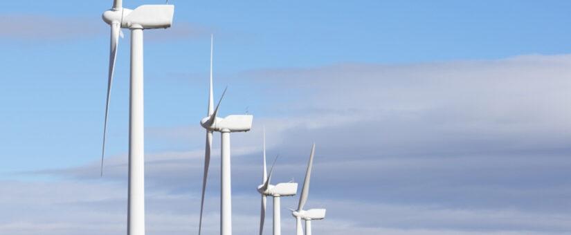 Escaso viento y presión internacional suben la luz un 17% en el inicio de septiembre