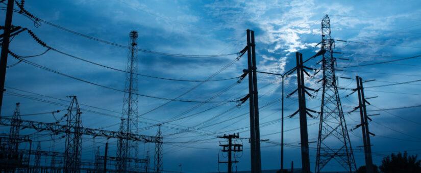 La nueva regulación de acceso a las redes eléctricas se olvida de la industria